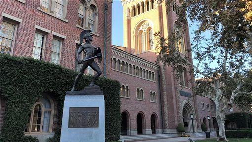 南加大死亡率異常 校方發公開信美國西岸名校南加州大學(圖)校方近日證實,本學期自8月底到11月初已有9名學生死亡,死亡率異常。校方呼籲學生有問題要積極求助。中央社記者林宏翰洛杉磯攝 108年11月13日