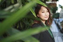 王瑞霞接受三立新聞網專訪並分享全新專輯「霞姐直播中」。(圖/記者林士傑攝影)