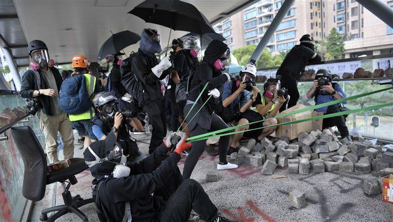 港人反抗/人民日報:堅決支持香港採取更有力行動止暴制亂