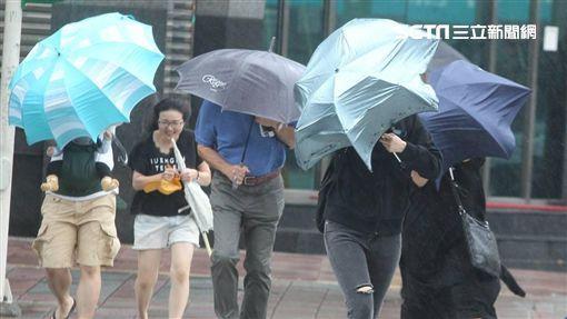 中央氣象局,東北季風增強,全天較涼,北台灣,局部有雨(示意圖/邱榮吉攝影)