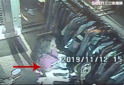 女賊偷衣監視器