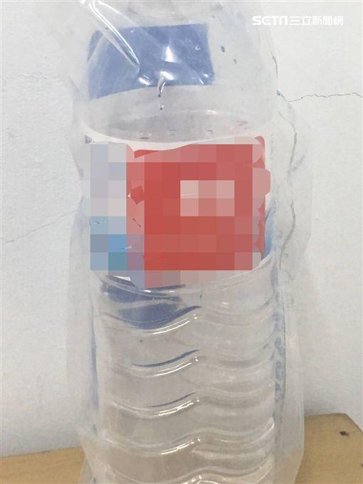 警方將凱達飯店的瓶裝水送驗後發現含有乙醇成分(翻攝畫面)