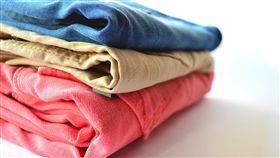 摺衣服(圖/Pixabay)