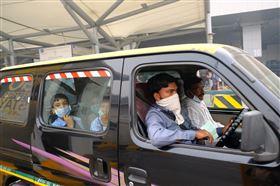 印度,國家首都區,燃燒殘梗,引霧霾,學校,停課兩天(圖/中央社)