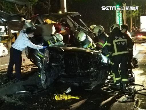 辛亥路16日凌晨發生車禍 大安分局提供