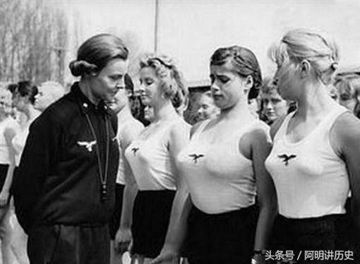 納粹女兵2(圖/翻攝自網路)