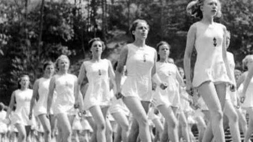 納粹女兵4(圖/翻攝自網路)