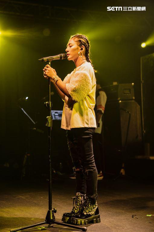 唱作天后艾怡良 再度制霸Legacy都市女聲系列 首次全英文翻唱演出 三條製作所提供
