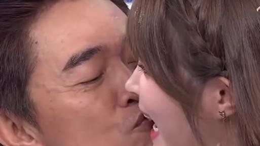 鼻息相聞!憲哥2萬5誘吻陳夢晨蜜唇