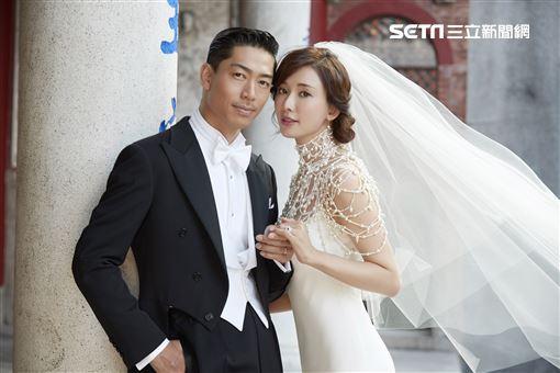 林志玲與AKIRA兩人正式婚紗照釋出。(圖/林志玲工作室提供)