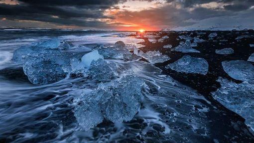 冰島,觀光客,崩塌,冰山 (圖/翻攝自冰島旅行網)