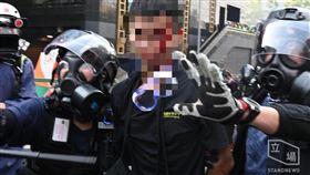 香港示威民眾濺血(圖/翻攝自Stand News 立場新聞)