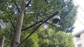 上海街道社區  隨處可見電子監控(2)中國推動「天網工程」,上海又有「智慧公安建設5年規劃」,城市裡隨處可見各類型的監視器。中央社記者張淑伶上海攝  108年11月18日