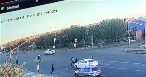 南非,約翰尼斯堡,劫車,轟臉,隨機