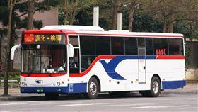 台北市,公車,靠站,機車,車禍