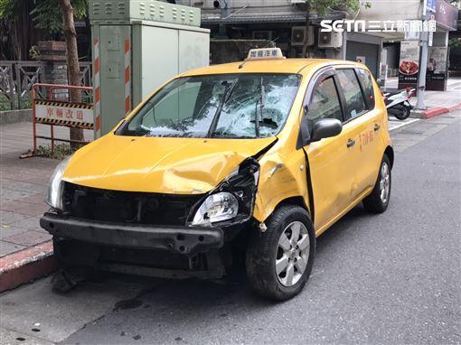 台北市曾姓女計程車司機,因車輛突然故障暴衝,她原本打算利用路旁機車減速,卻撞上林姓游泳教練,並害對方截肢昏迷(翻攝畫面)