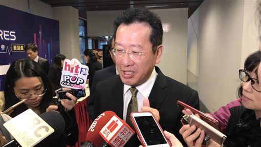 顧立雄:在港金融業可彈性在家上班香港局勢升溫,金管會主委顧立雄19日表示,在港的台灣金融業者可以彈性因應,在家上班。中央社記者劉姵呈攝 108年11月19日