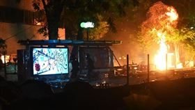 港警攻入香港理工大學(圖/翻攝自Stand News 立場新聞)