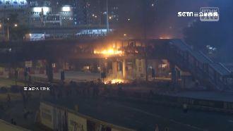 香港警署前投汽油彈 疑縱火無人傷亡