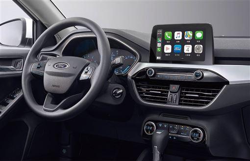 ▲駕駛輔助及娛樂系統可以舒緩行車壓力。(圖/Ford提供)