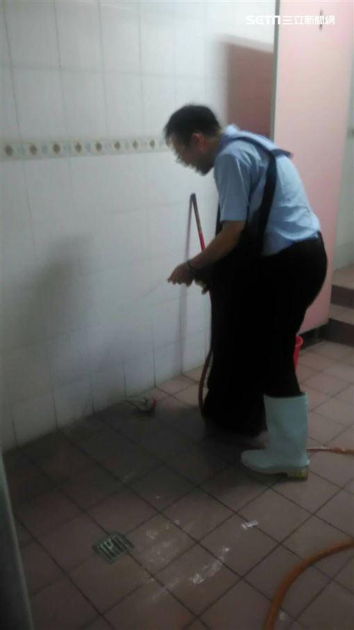 畜產公司,清潔工,楊嘉仁 讀者提供