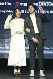 《想見你》首映會主演柯佳嬿、許光漢出席。(圖/記者林士傑攝影)