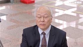 邱毅到中選會登記,代表新黨參選不分區立委,郭冠英也一起現身,還自稱是代表共產黨,來監督台灣選舉,帶您來看最新現場。