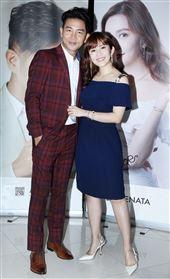 謝承均、王宇婕攜手電電購推出知名髮品聯名商品。(記者邱榮吉/攝影)