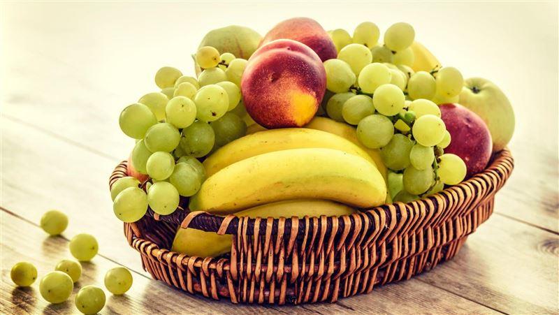 吃水果很健康?名醫曝驚人真相:它是農場產生的糖果