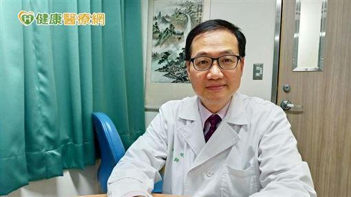 姚明醫師表示,正常的骨髓幹細胞製造淋巴球後,會分化成熟至各器官作用,當其在最不成熟階段中發生惡性變化,就會發展成急性淋巴性白血病。