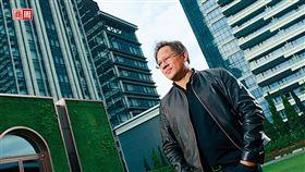輝達要從晶片廠跨界成為軟體商,分析師看好執行長黃仁勳的轉型大計,紛紛上調目標價。(攝影者.商周楊文財)