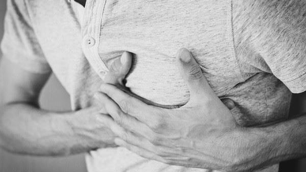 主動脈剝離險死經過 醫曝2關鍵徵兆