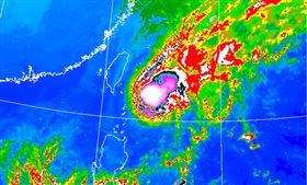 鳳凰颱風1121(圖/翻攝自氣象局網站)