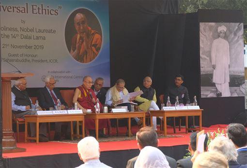 西藏精神領袖,達賴喇嘛,敵人當作,好老師,同情心(圖/中央社)