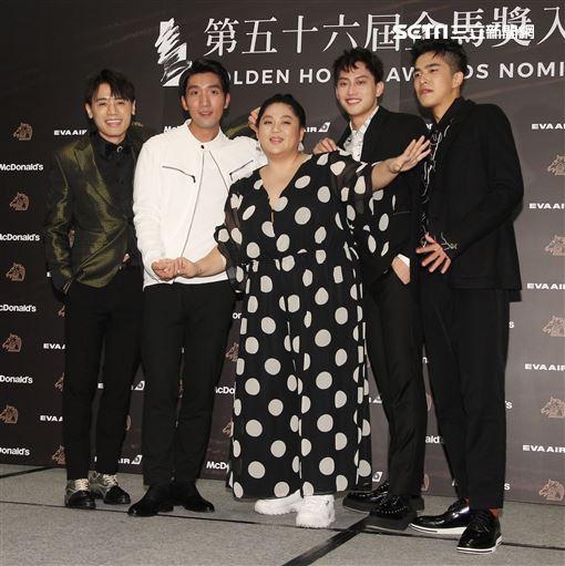金馬獎最佳新人獎入圍者左至右邱志宇、原騰、蔡嘉茵、范少勳、曾敬驊。(記者邱榮吉/攝影)
