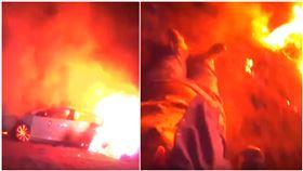 美國發生火燒車意外,警方驚險救出受困老婦。(圖/翻攝自YouTube)