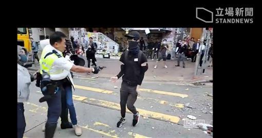香港,港警,中槍,民主(圖/翻攝自立場新聞)