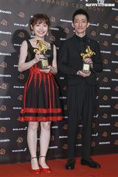 金馬56得獎最佳改編劇本徐漢強、傅凱羚、簡士更《返校》。(圖/記者邱榮吉、林士傑、林聖凱攝影)