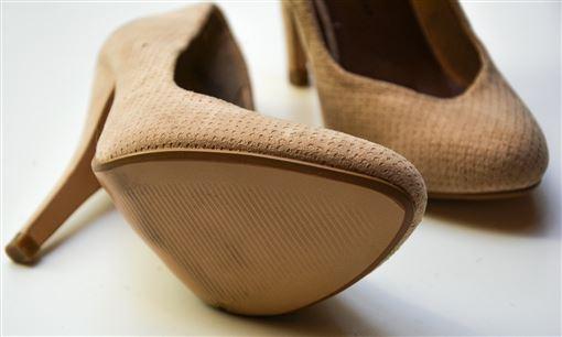 -裸色-高跟鞋-(圖/Pixabay)