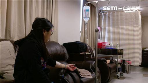 長安醫院,神經內科,陳惠萱,顏面神經麻痺圖/院方提供