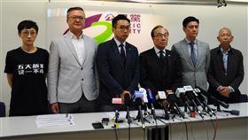 區選大勝 泛民政黨籲港警撤離理大官員總辭(2)香港公民黨25日舉行記者會。該黨在本屆區議會選舉中拿下 32個席次。中央社記者沈朋達香港攝 108年11月25日