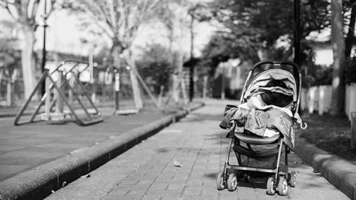 嬰兒車,公園,嬰兒(圖/攝影者Tai, Flickr CC License)https://is.gd/E6z9RB