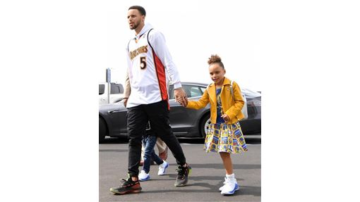Stephen Curry與女兒Riley。(圖/翻攝自Curry個人IG)