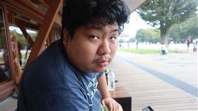 統神再爆糾紛!遭狂譙「X你X」…曝光影片怒:一定告到底(圖/翻攝自亞洲統神-張嘉航臉書)
