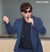 金曲歌王蕭煌奇將二度登上台北小巨蛋開唱,緊鑼密鼓為演唱會練團。(記者邱榮吉/攝影)