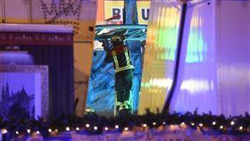 聖誕,市集,雲霄飛車,過山車,撞擊,德國,柏林,搶救,Landsberger Allee,訓練,遊樂園 圖/翻攝自推特https://parg.co/FsD