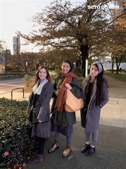 王若琳與梁心頤結伴旅行 日本咖啡廳合體獻唱我只在乎你 索尼音樂提供