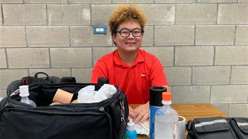 ▲2019明德快樂盃臺北國際輪椅網球公開賽,場邊的運動防護員黃建瑋造型神似藝人「納豆」。(圖/主辦單位提供)