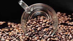 台灣「黑金」市場蓬勃發展,財政部統計,從2008年至2018年,10年間咖啡豆進口數量增2.1倍、攀升至3.6萬公噸。(圖取自Pixabay圖庫)