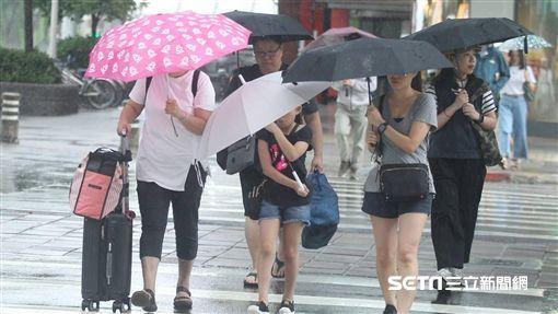 中央氣象局,大台北地區,短暫陣雨,多雲到晴,東北季風(示意圖/邱榮吉攝影)
